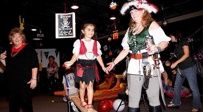 фото развлечения для пиратской вечеринки: пиратская вечеринка