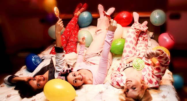 фото девушек в пижамах: сценарий пижамной вечеринки для взрослых №3