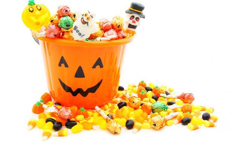фото посуды для конфет и других мелких хэллоуинских угощений: сладкое оформление хэллоуина