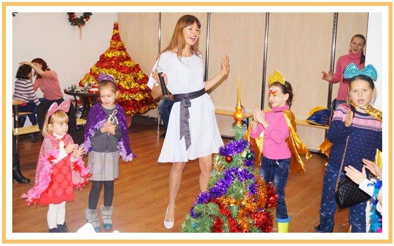 фото проведения нового года в начальной школе: заказать Деда Мороза и Снегурочку в школу №2